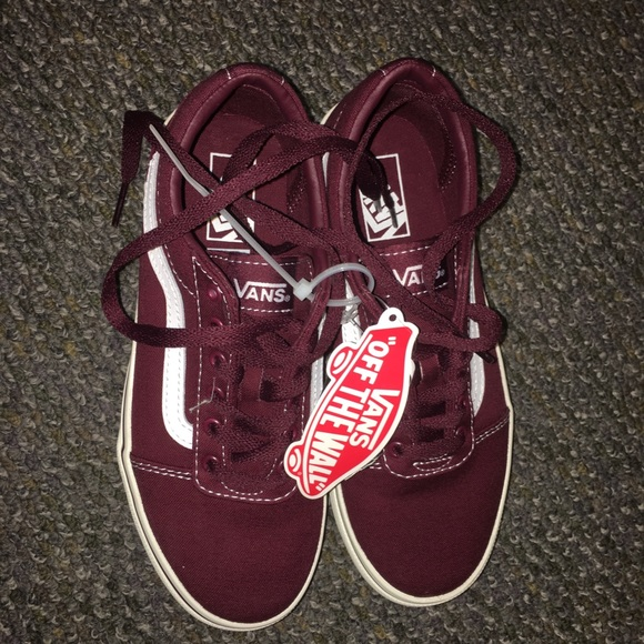 df6aa22c692 BRAND NEW old skool vans in burgundy tags attached